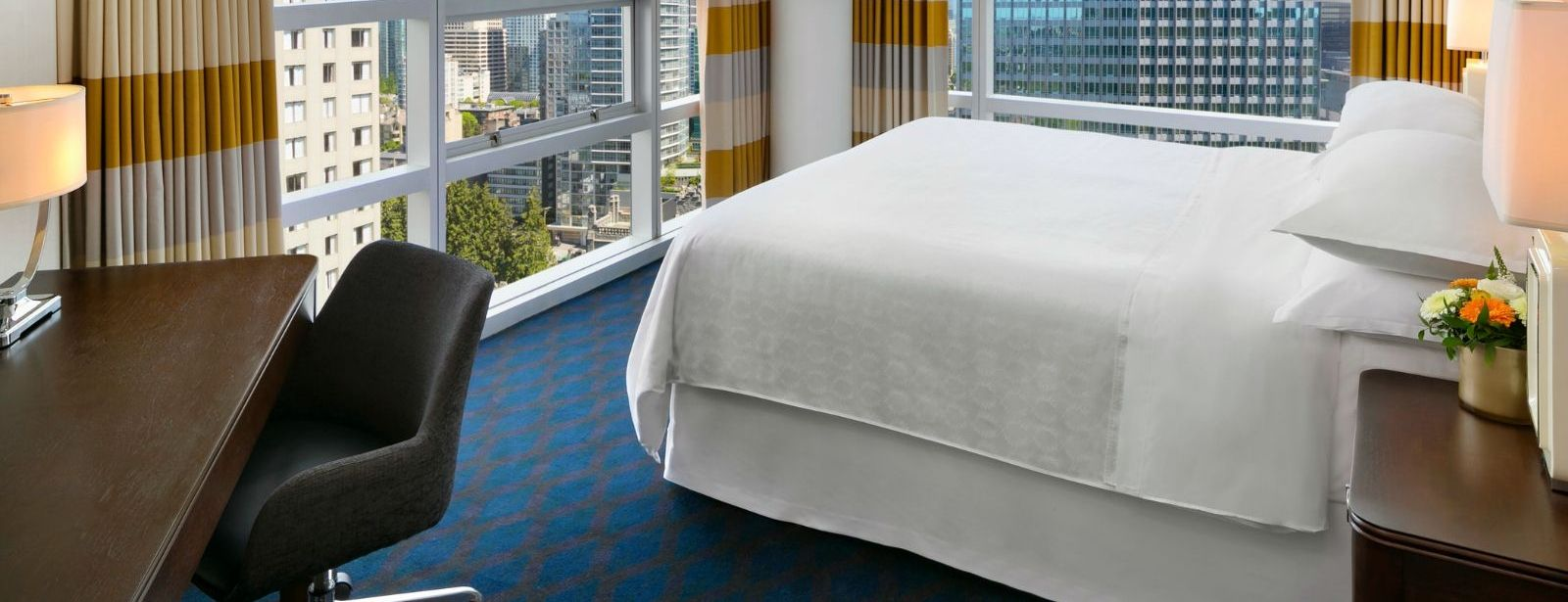 Sheraton Vancouver Wall Centre - King Suite